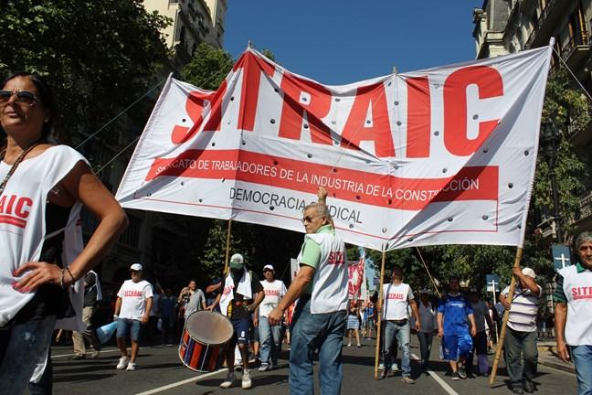 Marcha obrera de AGR...