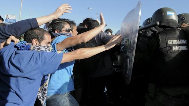 Represión en Paname...