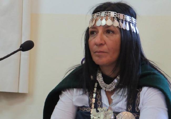 Concejal mapuche vot...