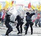 Brutal represión y despliegue de fuerzas armadas en Brasil