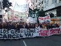 Masiva marcha contra el fallo del 2 x 1 para beneficiar a genocidas