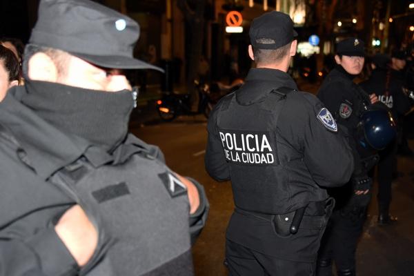 Policía de la Ciudad...