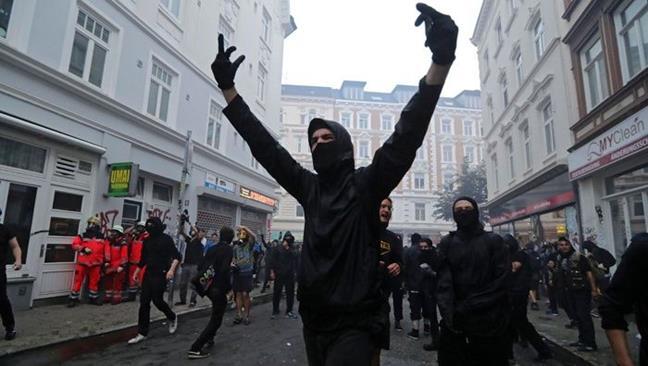Continúan protestas...