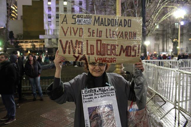En Plaza de Mayo por...