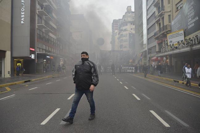 En las calles contra...
