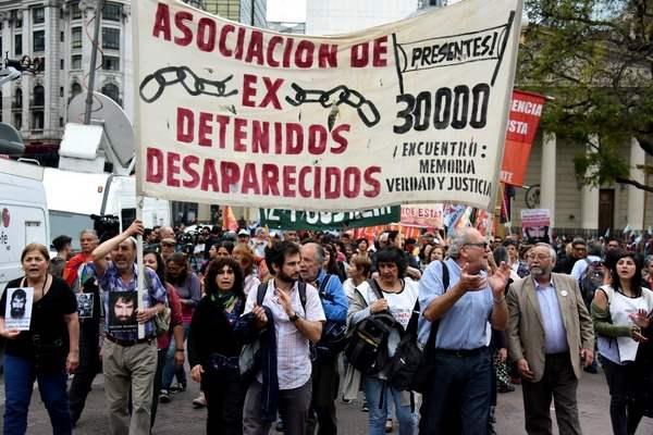 Marcharon en Plaza d...