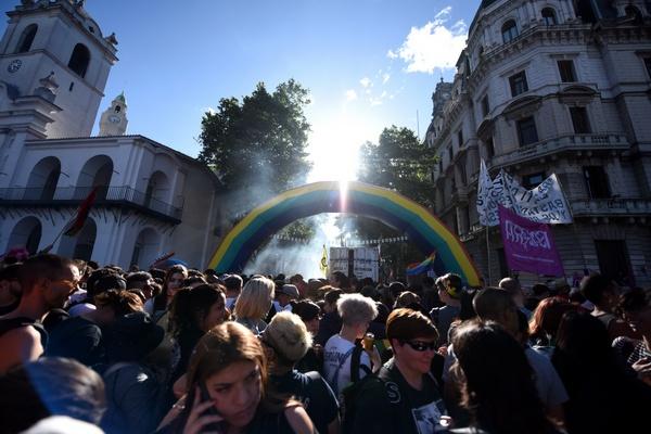 Marcha del Orgullo (...