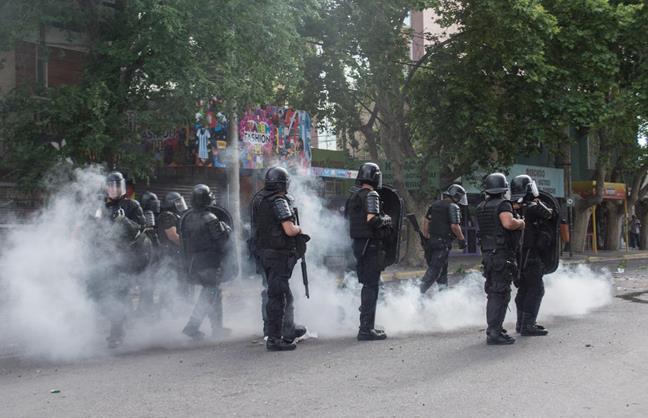 Brutal represión a t...