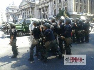 Gendarmería reprime ...