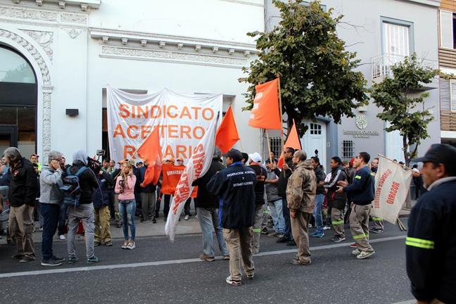 Marcha y acto en Ros...