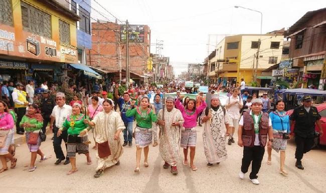 Perú: Contundente ma...