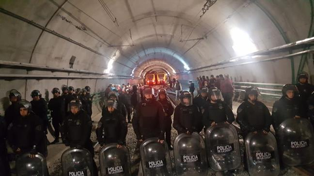 Urgente: represión a...