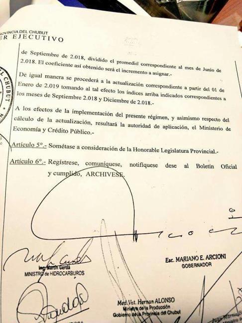 Decreto de Mariano A...